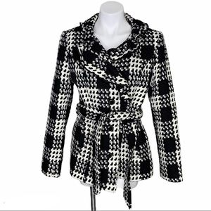 White House Black Market Houndstooth PlaId Coat